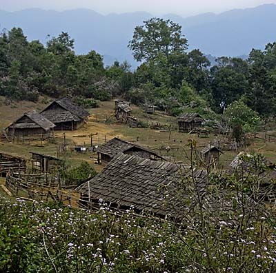 Asienreisender - Hill People Village in Laos