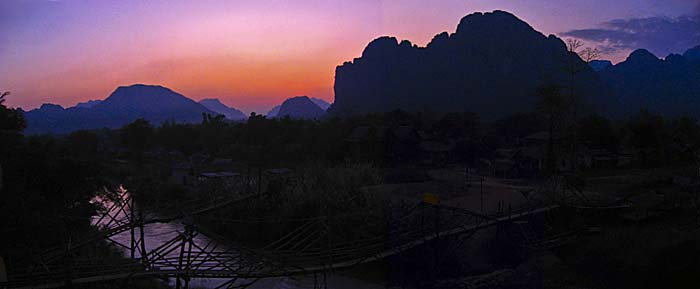Vang Vieng at Sunset by Asienreisender
