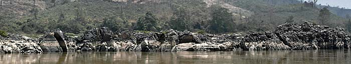 Rock Formations at the Mekong River between Chiang Khong and Ban Pak Beng by Asienreisender