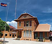 Government Building in Kampot by Asienreisender