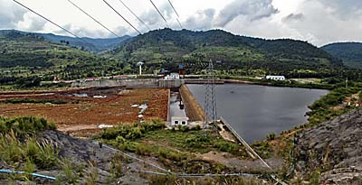 Electric Power Plant at Teuk Chhou near Kampot by Asienreisender