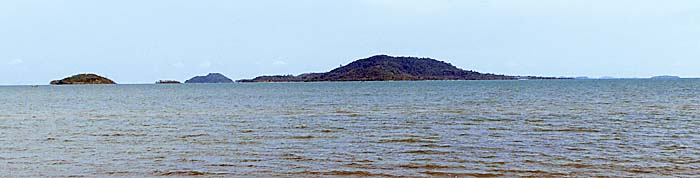 Rabbit Island, seen from Kep by Asienreisender