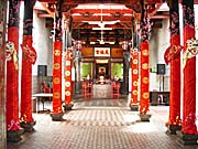 'Inside a Chinese Temple in Malacca' by Asienreisender