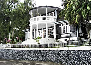 The Old Dutch Governor's Residence in Parapat, Lake Toba, Sumatra by Asienreisender