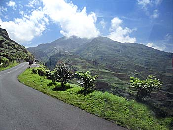 'Road from Wonosobo up to Dieng Plateau' by Asienreisender