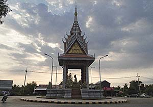 'The Buddha Roundabout in Samraong' by Asienreisender