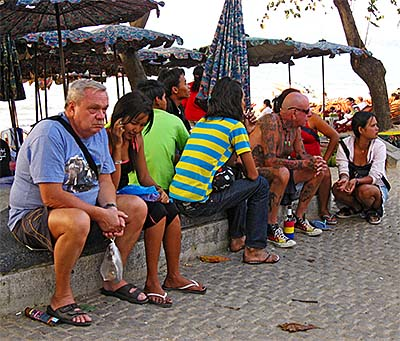 'Expatriates at the Beach of Pattaya' by Asienreisender