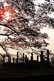 'Sunrise over the Ruins of Sukhothai Historical Park' by Asienreisender