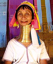 'A Kayan Woman in Ban Nai Soi wearing a Brass Coil Necklace' by Asienreisender