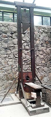 'A Guillotine | War Remnants Museum | Saigon' by Asienreisender