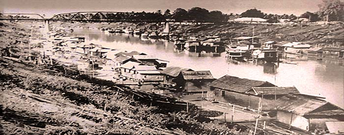 'Historical Photo of the many Houseboats on Nan River after the Fire Devastation in 1957' by Asienreisender