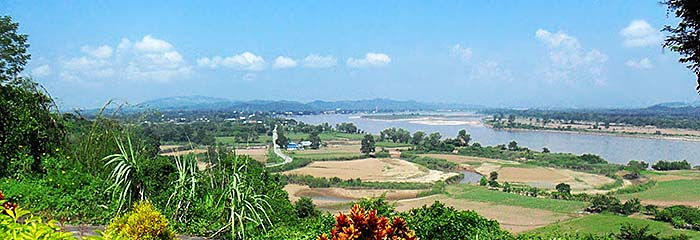 'View over Chiang Saen and the Mekong River' by Asienreisender